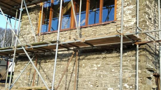 Construction with a gable frame