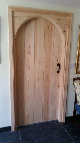 Arched Cottage Door in Pine