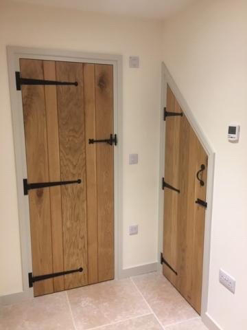 oakLedged and Braced Doors Tee-Hinges