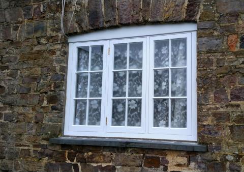 Heritage Windows Devon Red Grandis
